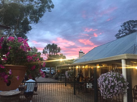 Old Canberra Inn - Mackay Tourism