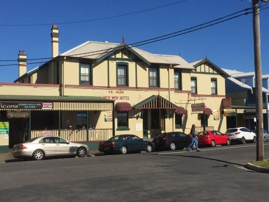 The Old Pub–Woy Woy Hotel