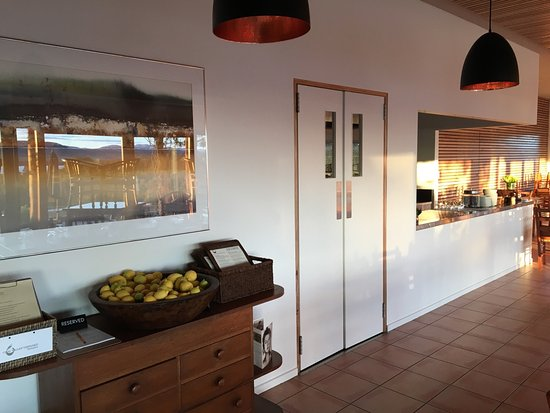 Coal Valley Vineyard Restaurant - Mackay Tourism