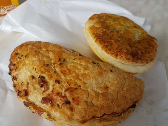 Two Wells Bakery - Mackay Tourism