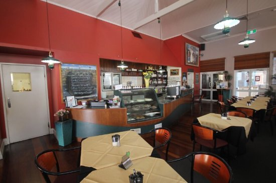 Henry's Cafe and Restaurant - Mackay Tourism