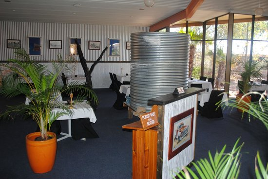 Oasis Restaurant and Bar - Mackay Tourism