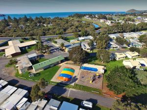 Victor Harbor Holiday  Cabin Park - Mackay Tourism