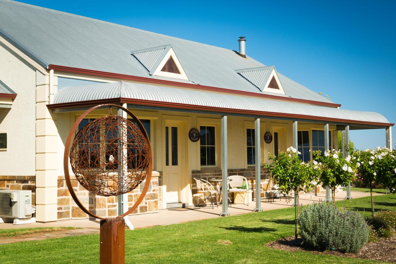 Barossa Vineyard Cottages - Mackay Tourism