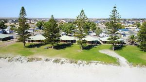 Wallaroo Holiday Park - Mackay Tourism