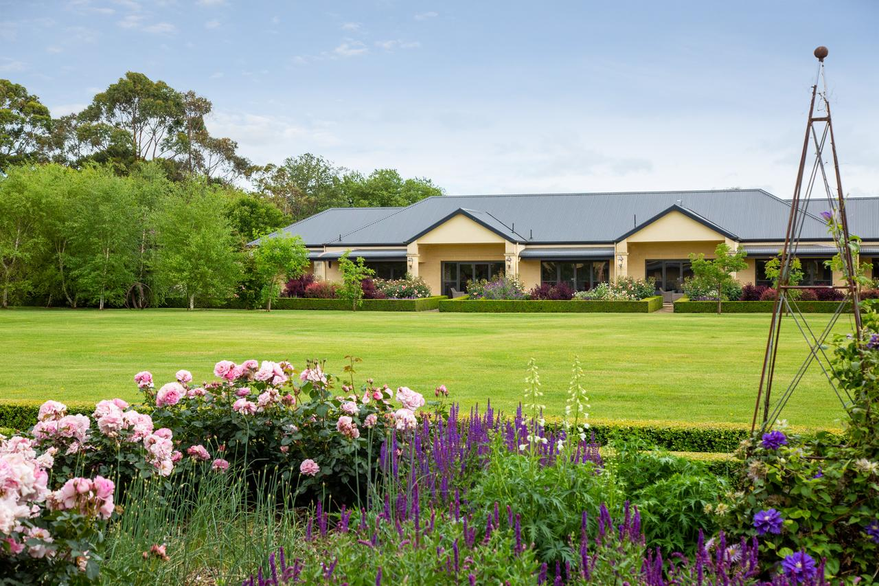 The Barn Accommodation - Mackay Tourism
