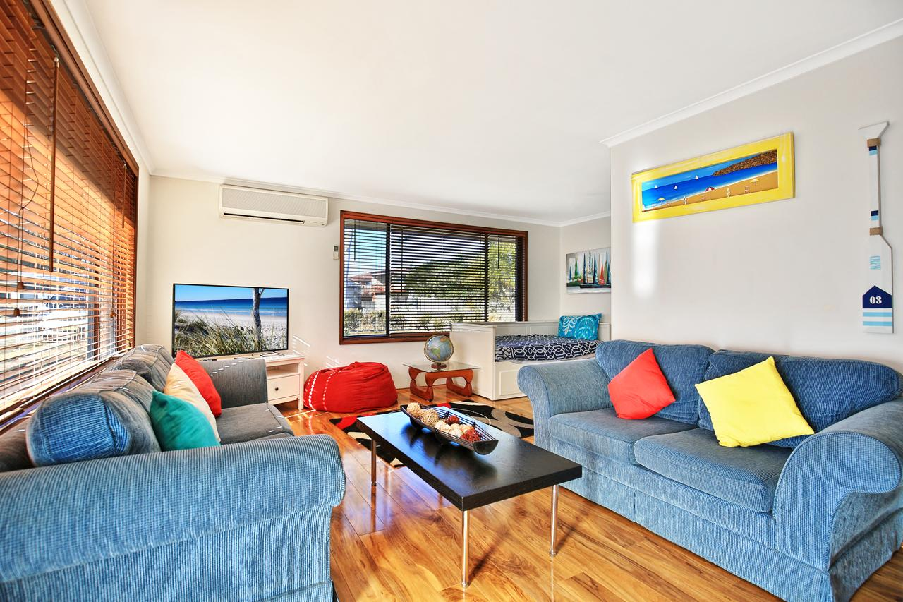 Sandy Toes Beach House Jervis Bay - 2min to Beach - Mackay Tourism