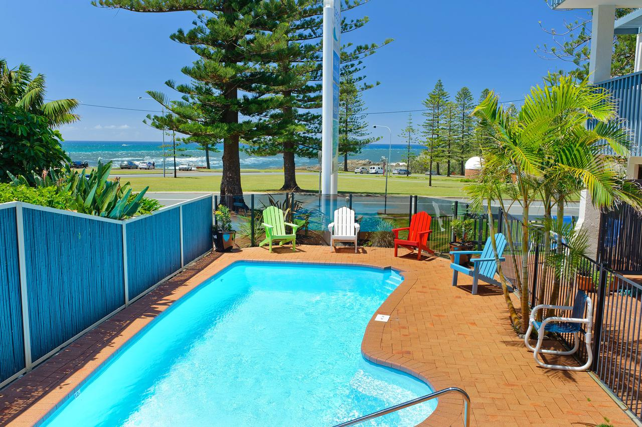 Beach House Holiday Apartments - Mackay Tourism