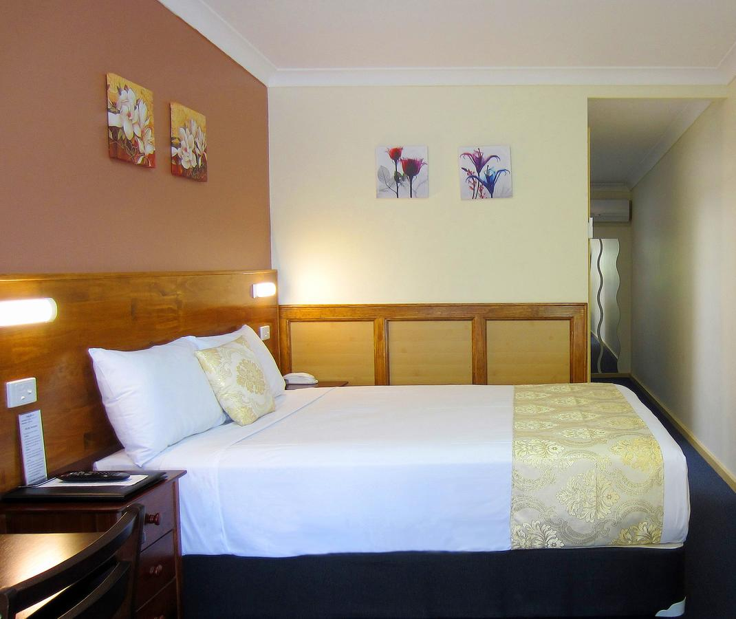 Highway Motor Inn Taree - Mackay Tourism