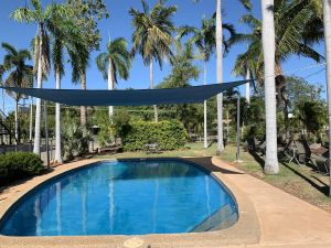 Pine Tree Motel - Mackay Tourism