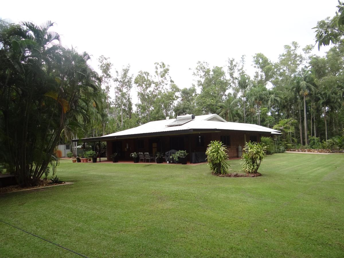 DARWIN'S SHADY ACRES RETREAT - Mackay Tourism