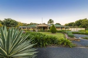 Bonville Lodge Bed  Breakfast - Mackay Tourism
