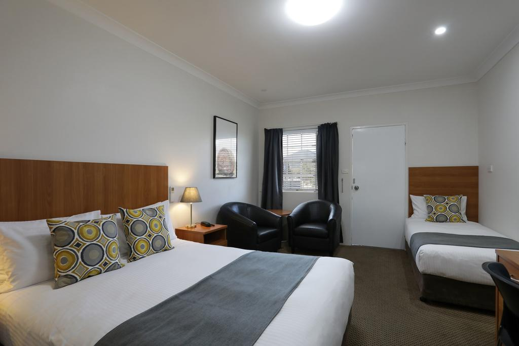 Cadman Motor Inn and Apartments - Mackay Tourism