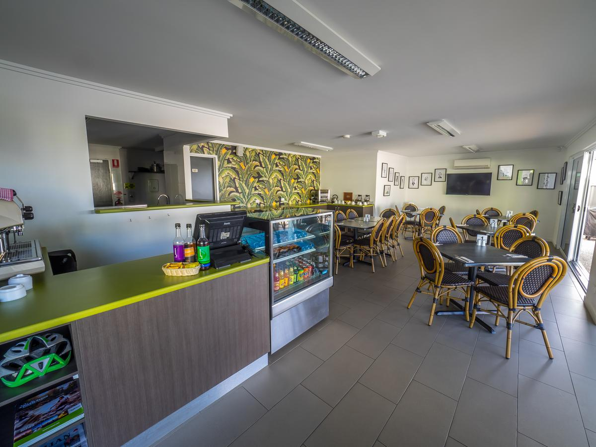 Mackay Oceanside Central Hotel - Mackay Tourism